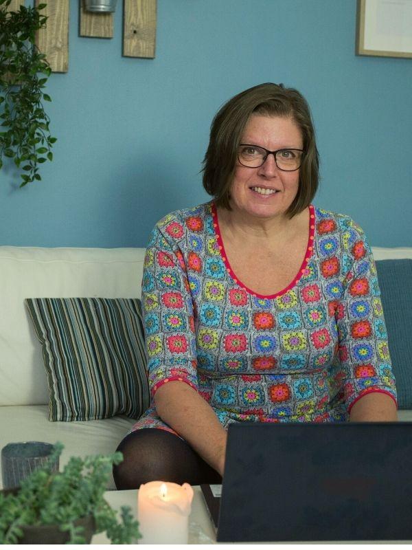 Stress behandling hos Connie - online eller offline